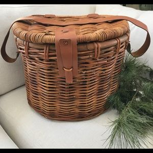 VINTAGE WICKER FISHING BASKET EXCELLENT CONDITION